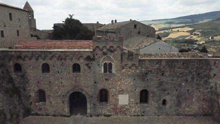 Castello di Bovino viaggiare con drone